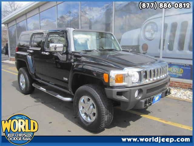 2007 HUMMER H3  4WD side steps power seats moon roof navigation power windows power locks le