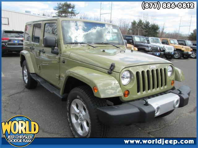 2013 JEEP Wrangler Unlimited  side steps heated seats navigation power windows blue tooth leat