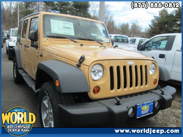 2013 JEEP Wrangler Unlimited  side steps 24S CUSTOMER PREFERRED ORDER SELECTION PKG -inc 36L V6