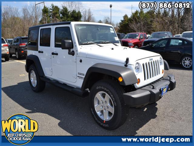 2013 JEEP Wrangler Unlimited  blue tooth mp3 audio input 24S CUSTOMER PREFERRED ORDER SELECTION P