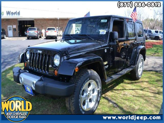 2013 JEEP Wrangler Unlimited  6-Speed MT AC ABS Adjustable Steering Wheel Aluminum Wheels AM