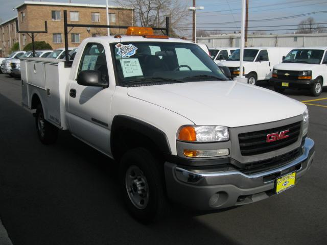 2007 GMC 3/4 Ton Chassis-Cabs UTILITY BODY
